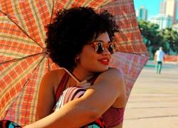 Cabelo crespo, feminismo e identidade negra; O que uma coisa tem a ver com a outra?