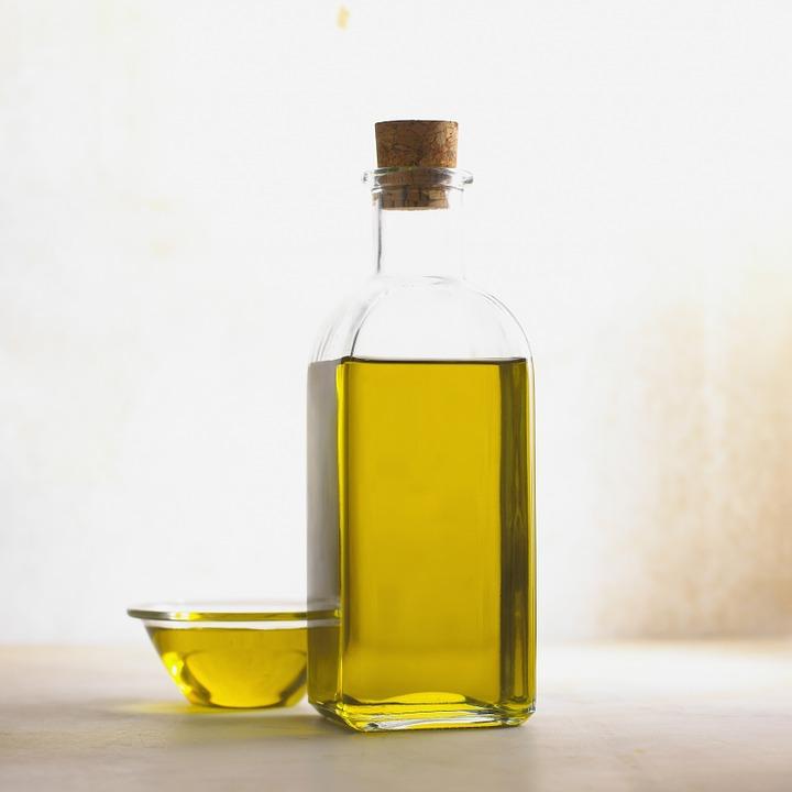 azeite-de-oliva-umectação-aumentar-cachinhos