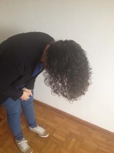 dicas-para-dar-volume-a-raiz-cacheia-balancar-o-cabelo-2