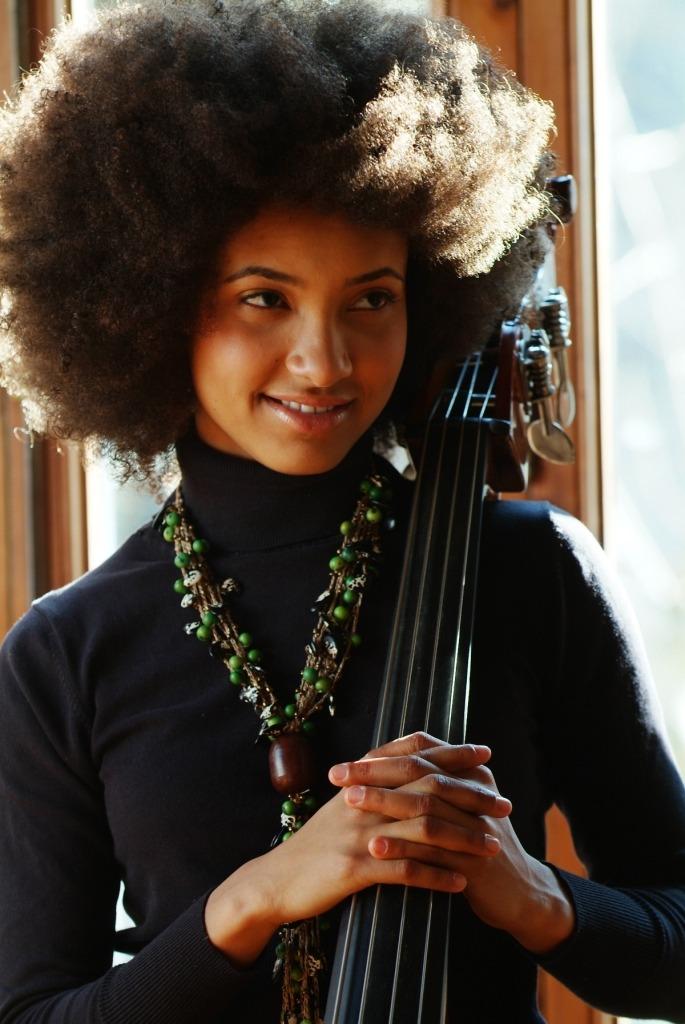 Esperanza Spalding, cantora de Jazz.