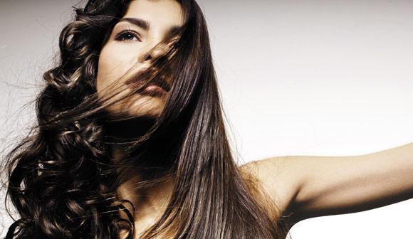 Selagem, botox, cauterização e outros. Eles alisam o nosso cabelo?