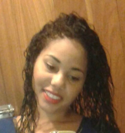 Patricia, 29 anos, 6 meses em transição capilar