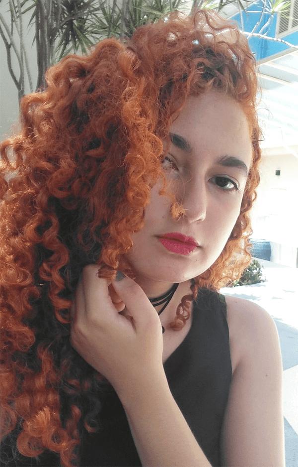 Hidratação com abacate: resultados em cabelo cacheado