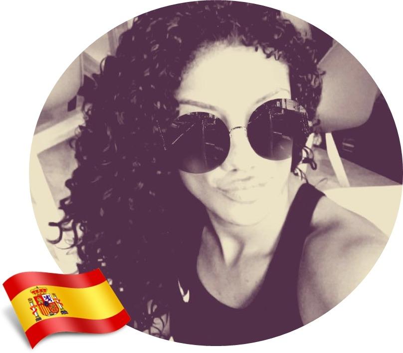 cuidados com os cachos no exterior, Karina, Espanha