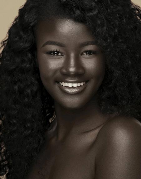 mulheres negras, moda e racismo  Khoudia Diop