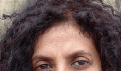 Henna em cabelo preto com poucos fios brancos