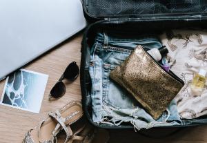 O que levar na mala para cuidar dos cachos no exterior?